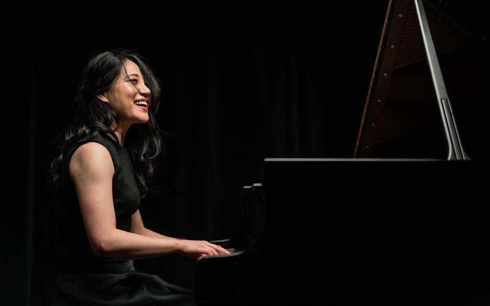 A photo of pianist Zee Zee
